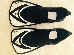 Aquasphere Microfin HP Swim Fins Black/White Size 8-9 42-43 Cronulla Sutherland Area Preview