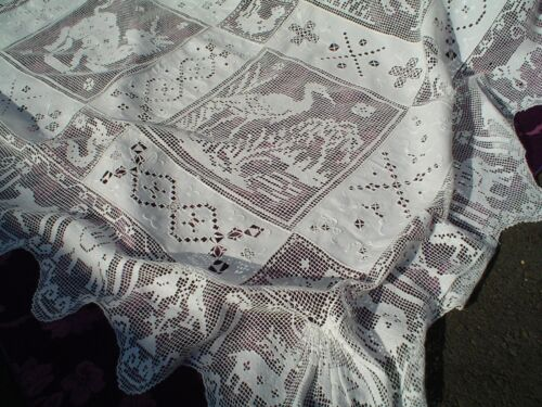 Antique Italian Linen Bedspread in Embroidered Linen & Figural Lace 94x67