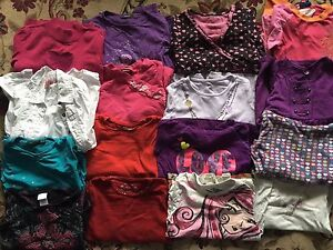 Over 70 girl's clothes size 6 and 7 y. AVAILABLE