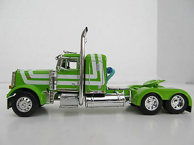 DCP 1/64 SCALE 379 PETERBILT SMALL BUNK (DAY CAB OPT) LIME GREEN W WHITE STRIPE