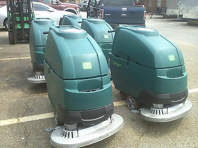 One Reconditioned Nobles Ss5 Floor Scrubber 32-inch Under 500hr