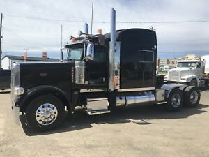 2013 Peterbilt 388 - MINT - NEEDS TO BE SEEN!!