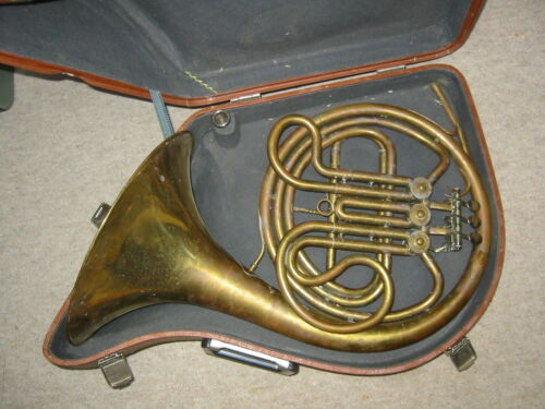 Nice vintage russian French  horn needs cleaning, made 1989
