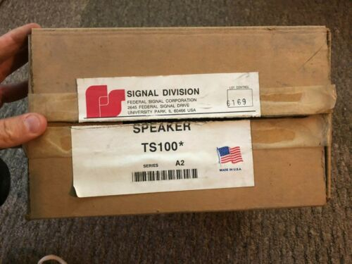 NEW Federal Signal 100 Watt Speaker Model: TS100 Series A2 Fire PA bracket USA