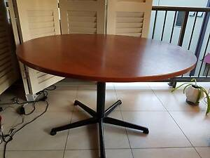 Table round laminate top Kewarra Beach Cairns City Preview
