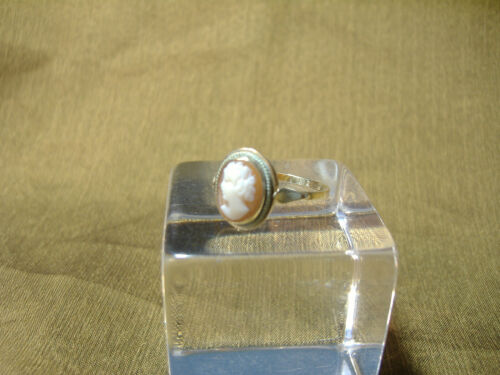 VINTAGE OVAL CAMEO WITH ROPE SURROUND -RING -14K GOLD  SIZE 8