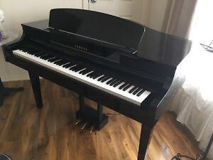 Yamaha CLP465 Digital Grand Piano Keyboard