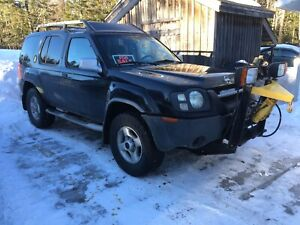 Nissan Xterra with plow!! Only plowed 2 winters!!