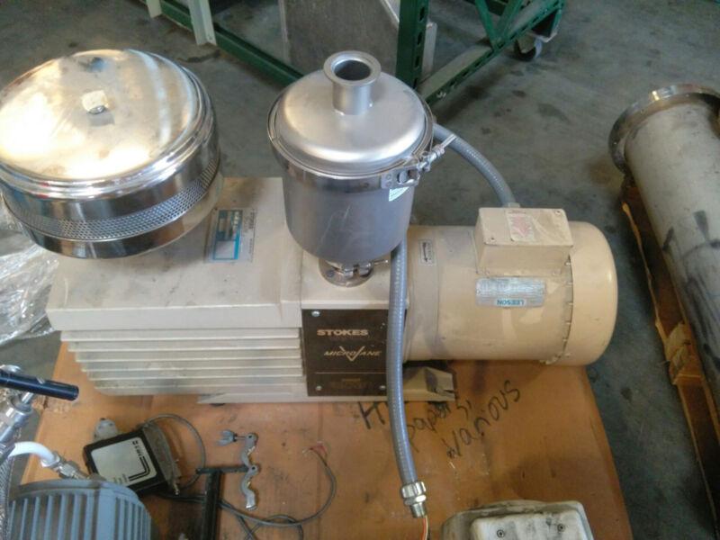 Stokes Microvane Vaccume Pump Model 17-3
