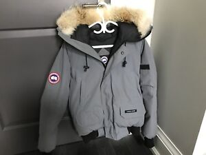Canada Goose Chilliwack Bomber Size Small