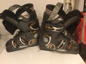 Men's Downhill Tecnica Ski Boots Gently Used Size 7