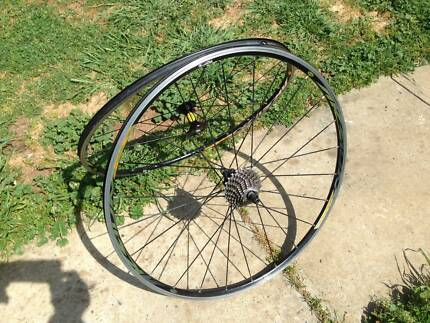 Mavic Aksium Race Wheel set  10 speeds