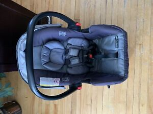 Graco Click Connect 35LX car seat with base