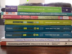 Various Year 11 and 12 textbooks Banksia Grove Wanneroo Area Preview
