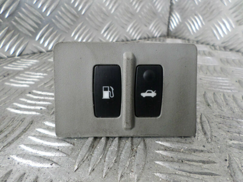 2002 LEXUS IS250 FUEL & BOOT TAILGATE RELEASE SWITCH BUTTON 55447-53030 15A990