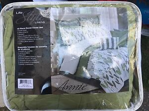 Brand new 12 piece bedding set for king and double size beds
