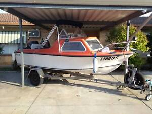 Half Cabin Fibreglass Boat and trailer 15ft / 16.5ft with engine