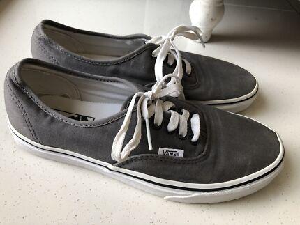 f40755a681e53a VANS Skate Shoes  Sneakers  Men s US 8  Women s US 9.5  Sole 27cm