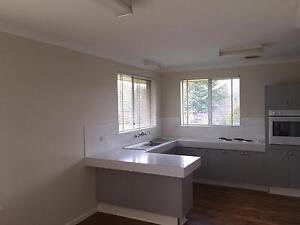 CLEAN SUNNY 3 BEDROOM HOUSE AVAILABLE NOW IN ORANGE Orange Orange Area Preview