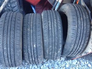 Four 195/65r15 like new $100
