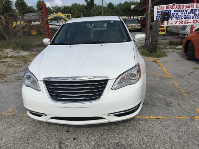 2014 Chrysler 200 Series For Sale