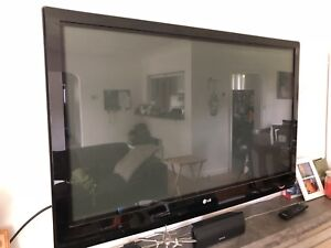 "LG 50"" HDTV 50PG20 - Excellent Condition"