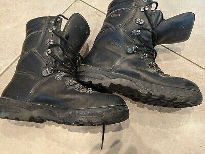 Army /walking /safety /gortex Boots size 9 eur 43