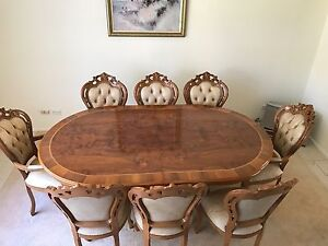 8 seater extendable italian dinining table Castle Hill The Hills District Preview
