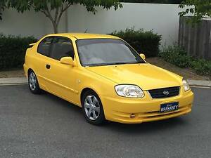 2000 Hyundai Accent Hatchback Arundel Gold Coast City Preview