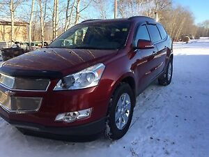 REDUCED 2011 Chevy Traverse 2LT, low km, just serviced