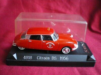 Solido 4818 Citroën DS 19 1956 Pompiers Direction Départementale 1/43