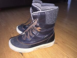 Size 8 boys superfit winter boots