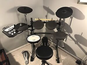 Roland TD-6V Electronic Drums with Stool, Sticks and Pearl kick