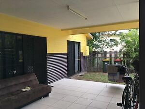 Open room in 2-bedroom unit in Aitkenvale! Aitkenvale Townsville City Preview