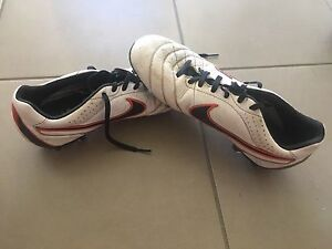 Nike football boots EURO 42 US 8.5 Berwick Casey Area Preview