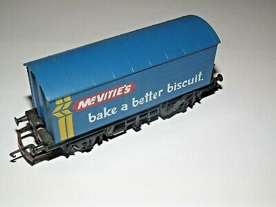 HORNBY R.137 MCVITIES BISCUITS CLOSED WAGON 00 GAUGE NR MINT ROLLING STOCK