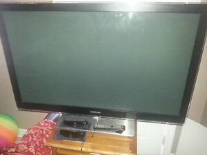 "52""Samsung 3d 1080 tv 2pair glasses"