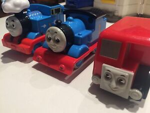 Thomas the tank engine x3 plastic great for under 3 year olds Annandale Leichhardt Area Preview