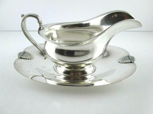 International COLONIAL SHELL Sterling Silver Gravy Boat & Under plate
