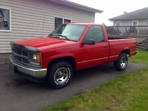 Shorty reg cab short box Chevy !! Rare reduced price