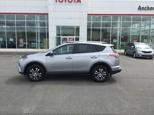 2017 Toyota RAV4 LE HEATED CLOTH; BU CAMERA; LOW KMS