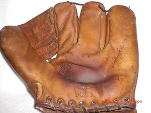 Antique-Drayer-Maynard-D-M-3-Finger-Baseball-Glove-DG-935-Daryl-Spencer