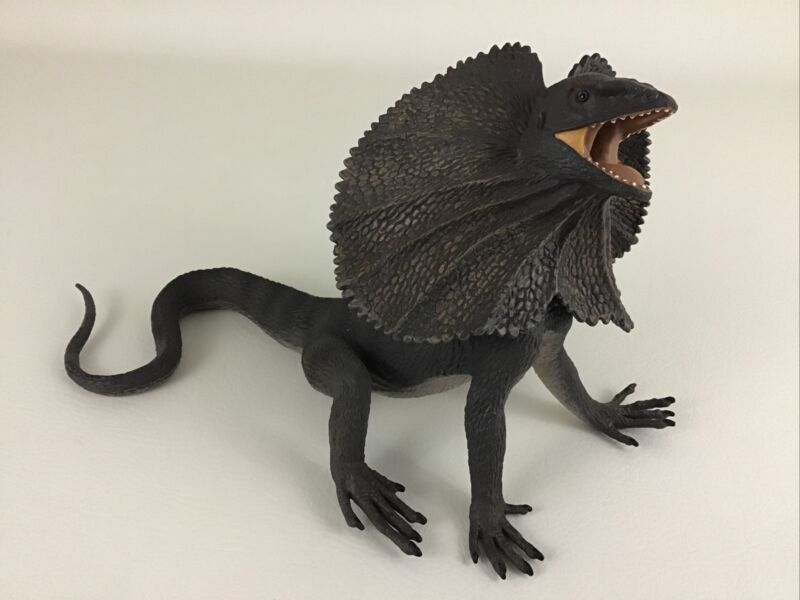 "Frilled Lizard 2005 Safari 12"" Reptile Realistic Incredible Creatures Rubber Toy"