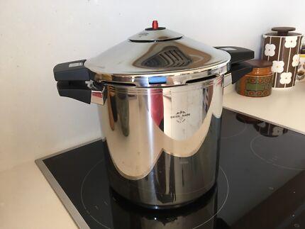 Pressure Cooker Swiss brand Kuhn Rikon DUROMATIC