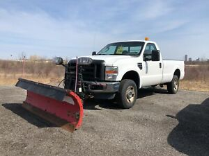 2008 Ford F-250 PLOW AND SALTER INCLUDED