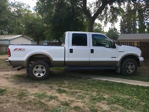 2006 Ford F-350  6L turbo diesel heavy duty  Lariat