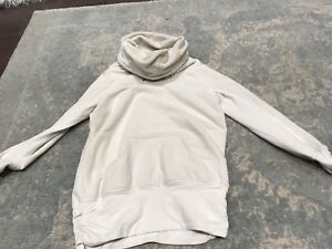 Lulu lemon sweater size 6