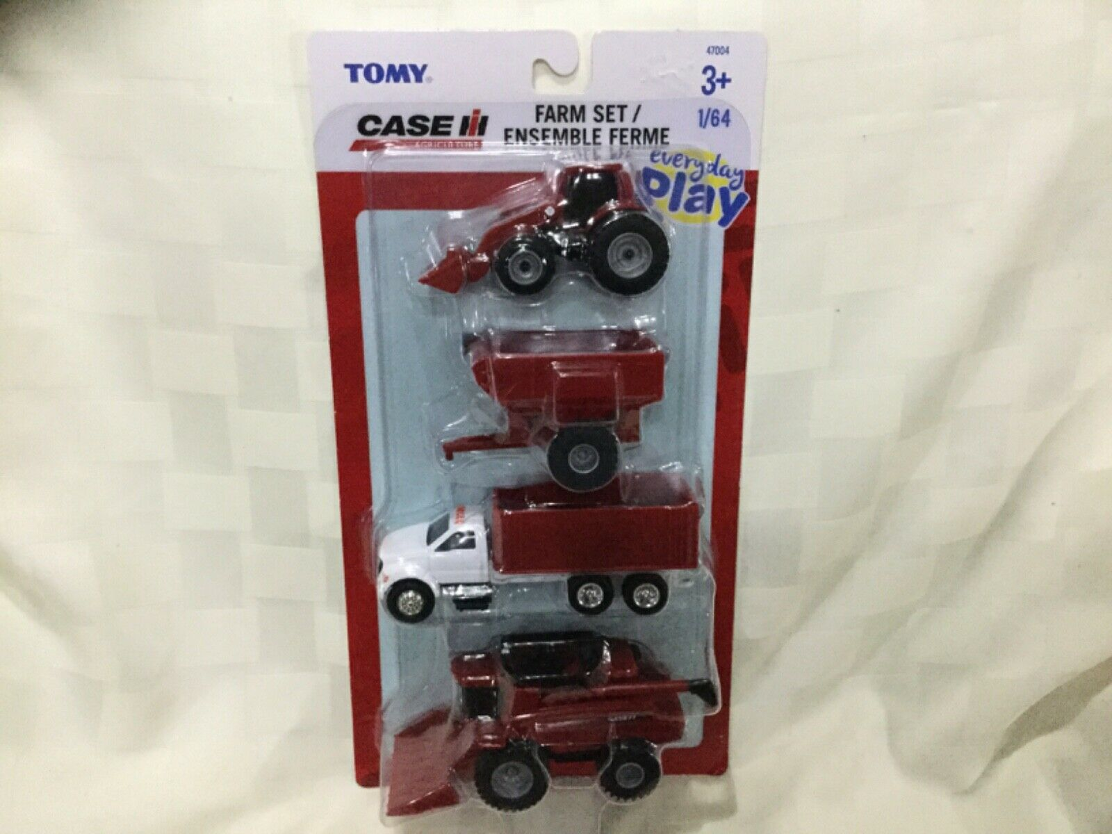 1/64 Scale Case IH Farm Play Set (Tractor/Wagon/Truck/Combine Harvester) Tomy A3