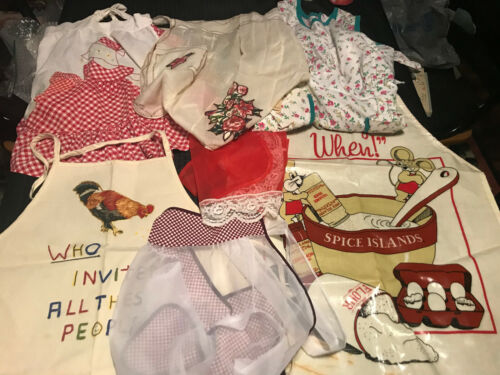 VINTAGE LOT OF 4 HALF APRONS AND 3 FULL