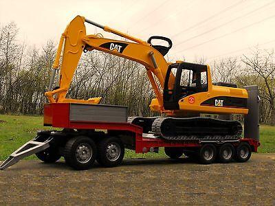 Bruder 02438 CAT Schaufelbagger + Tieflader + Dolly Bworld Bagger Kettenbagger